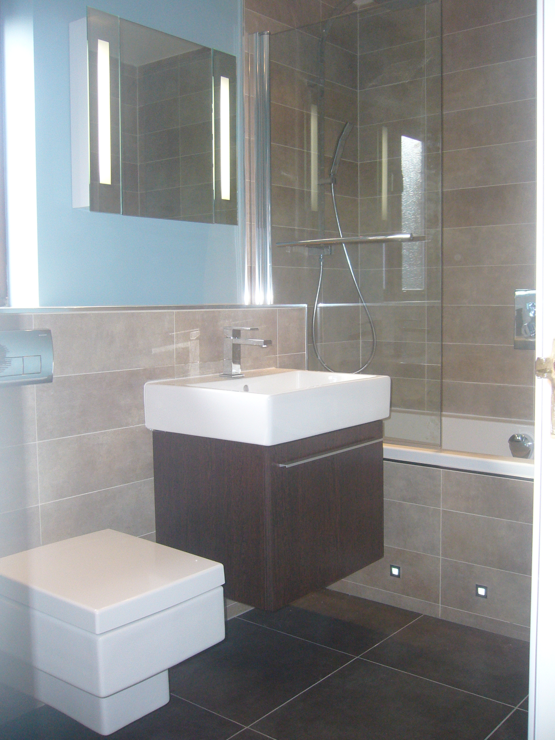 Gallery rivelin plumbing and heating sheffield for Bathroom examples